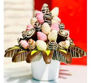 Fruit chocolate / Lezzetli Çikolata Kaplı Meyvelerin En Tatlı Hali