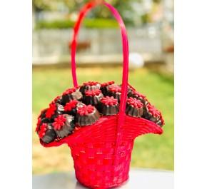 Kırmızı Çiçeğim /  Lezzetli Fındıklı Çikolata Kaplı Kurabiye Buketi