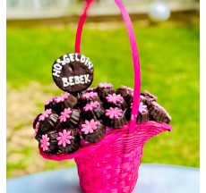 Hani Dünya Tatlısı / Lezzetli Fındıklı Çikolata Kaplı Kurabiye Buketi