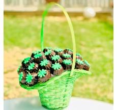 Yeşil Papatyalar / Lezzetli Fındıklı Çikolata Kaplı Kurabiye Sepeti